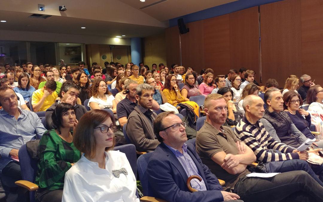 Galería de imágenes del I Congreso Transpirenaico de Educación Física y XXX Jornadas Provinciales de Educación Física de Jaca